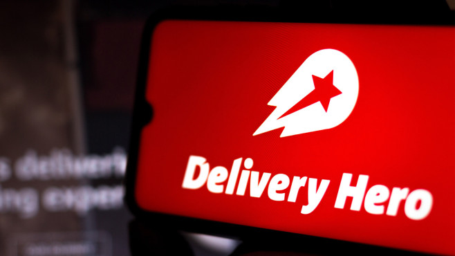 Delivery Hero neu im DAX: Lohnt sich der Einstieg jetzt? Wirecard raus, Delivery Hero rein: Welches Potenzial hat die Delivery Hero Aktie im Dax? © SOPA Images / Getty Images
