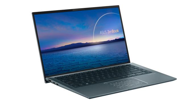 Asus ZenBook 14 Ultralight vor weißem Hintergrund©Asus