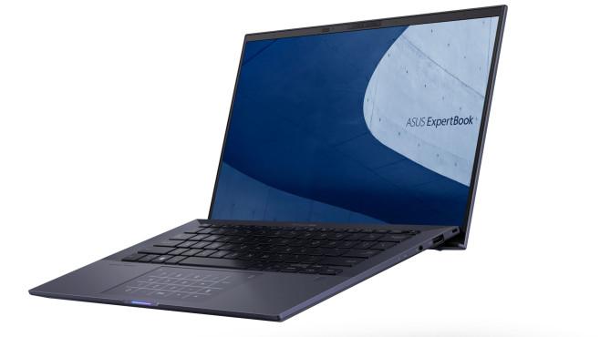 Das Asus ExpertBook B9 vor weißem Hintergrund.©Asus