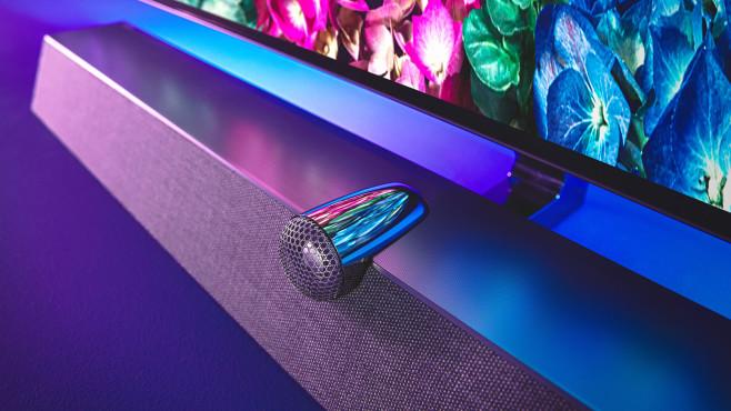 Neuer Philips OLED935: Guter Ton & mehr Bildschirmgrößen Der freistehende Hochtöner ist typisch für B&W, er soll besonders klare und unverfälschte Detailwiedergabe ermöglichen.©Philips