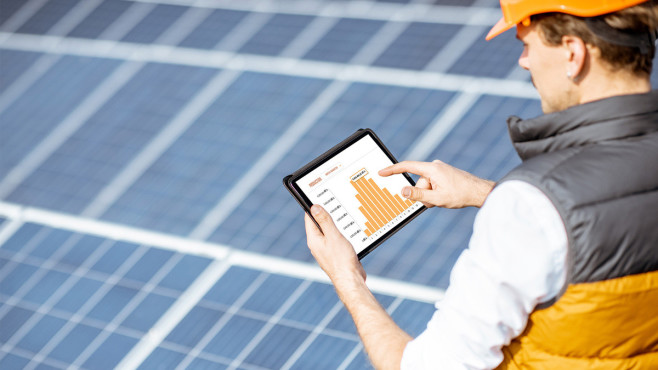 Solar-Aktien: Sonnige Aussichten für Anleger? Solar-Aktien: Wer hier investiert, muss mit starken Kursschwankungen rechnen.©iSTock.com/RossHelen