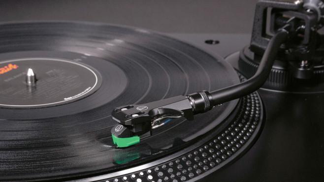 Tonabnehmer eines Plattenspielers©Audio Technica