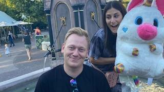 Knossi und seine neue Freundin