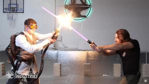 Ein echtes Lichtschwert©YouTube / the Hacksmith