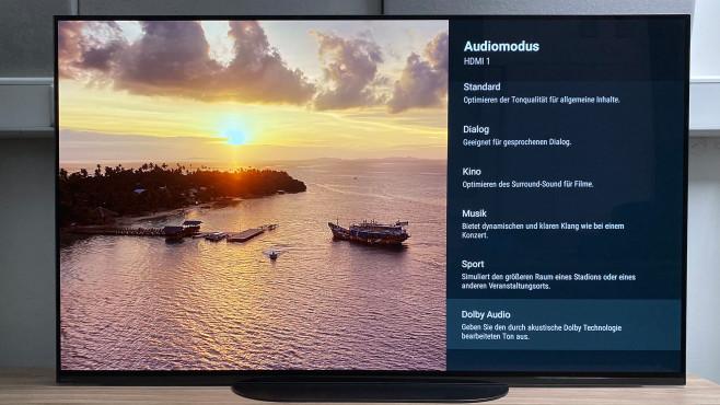 In den Toneinstellungen passt der Sony A9 mit der automatischen Akustikkalibrierung seinen Klang an die jeweilige Umgebung an.©COMPUTER BILD