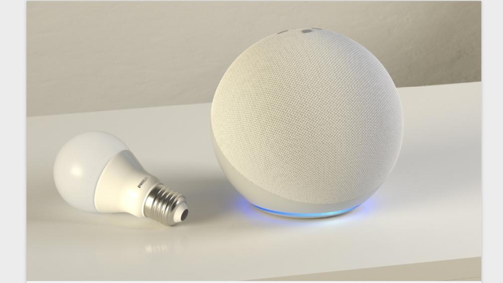 Amazon Echo 2020 und smarte Lampe