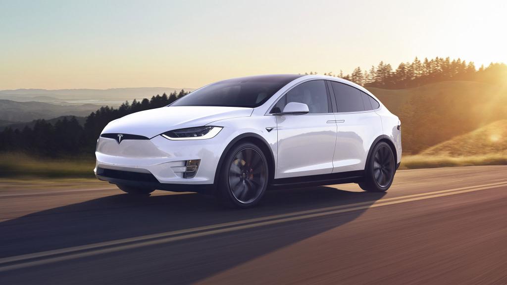 Problem mit Radaufhängung: Tesla ruft Autos zurück
