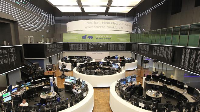 Deutsche Börse will den DAX von 30 auf 40 Unternehmen vergrößern Mehr Unternehmen im DAX: Schon im März 2021 könnte aus dem  DAX 30 der DAX 40 werden.©DANIEL ROLAND / Getty Images