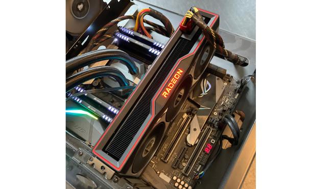 Im Test: AMD Radeon RX 6800 und RX 6800XT©COMPUTER BILD