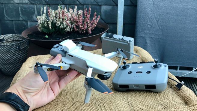 DJI Mini 2, Drohne plus Controller und Zubehör©DJI, COMPUTERBILD