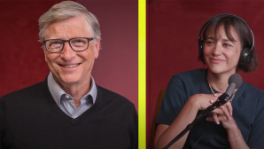 Bill Gates und Rashida Jones © YouTube