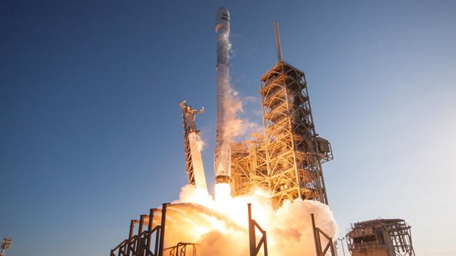 Falcon 9 von SpaceX©SpaceX