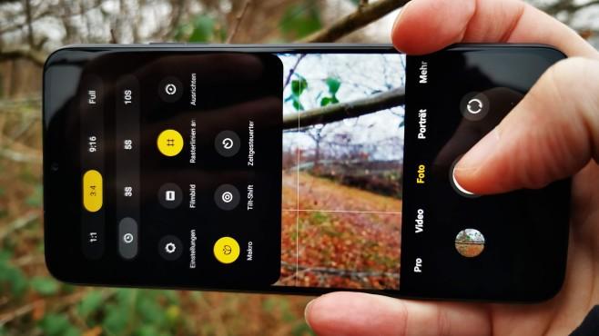 """Xiaomi Poco M3 im Test: Das neue Handy-Schnäppchen Den Makromodus finden Sie nicht wie bei anderen Herstellern unter """"Mehr"""", sondern im Menü des Standard-Fotomodus.©COMPUTER BILD / Michael Huch"""