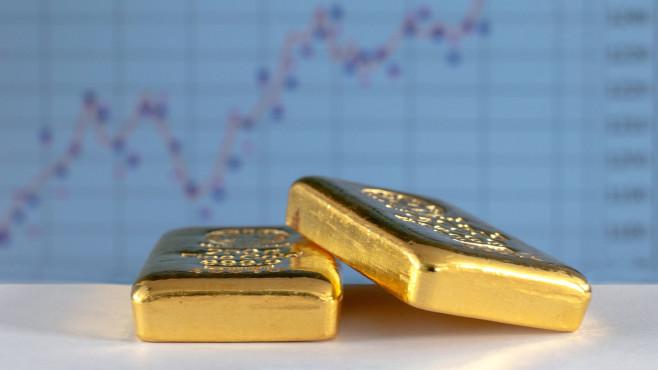 Der Goldpreis fällt, Aktien haben Aufwind©iStock.com/VladK213