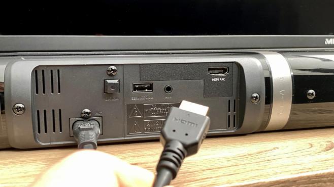 Der Anschluss der Medion Soundbar P61202 gelingt am einfachsten per HDMI.©COMPUTER BILD