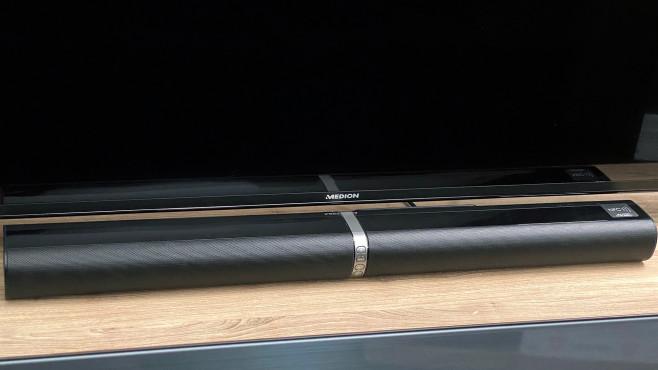 Medion P61202: Soundbar von Aldi für Schnäppchen-Jäger Die Medion P61202 ist zusammengesteckt 80 Zentimeter breit.©COMPUTER BILD