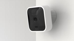 Blink Indoor im Test: So gut passt die Cam zuhause auf! Die Blink Indoor bewirbt sich um den smarten Wachposten in Haus.©Blink, Amazon