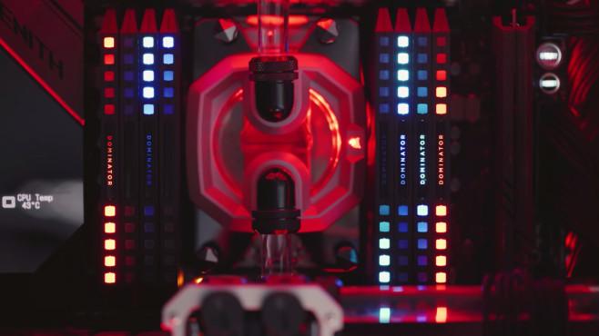 RGB-Gaming-Rechner: Leuchtende Kraftprotze Mit der richtigen Steuersoftware lässt sich die Beleuchtung der einzelnen RAM-Riegel und aller anderer RGB-Komponenten nach eigenem Wunsch anpassen.©Corsair