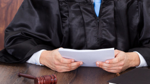 Richter bei der Urteilsverkündung©Fotolia.com