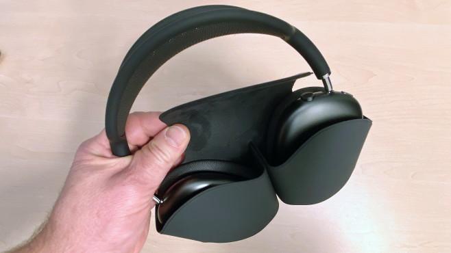 Das Smart Case der AirPods Max ist in erster Linie ein Schutz für die Metalloberflächen.©COMPUTER BILD