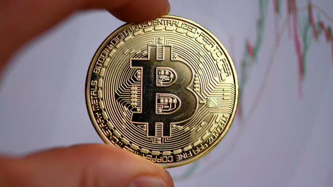 Symbolfoto: Bitcoin©INA FASSBENDER / Getty Images