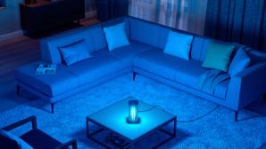 Philips UV-C-Desinfektions-Tischleuchte im Wohnzimmer©Philips, Signify