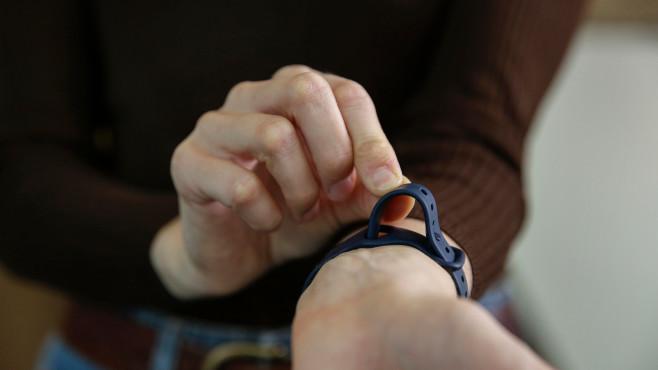 Fitbit Versa 3 Armband©COMPUTER BILD