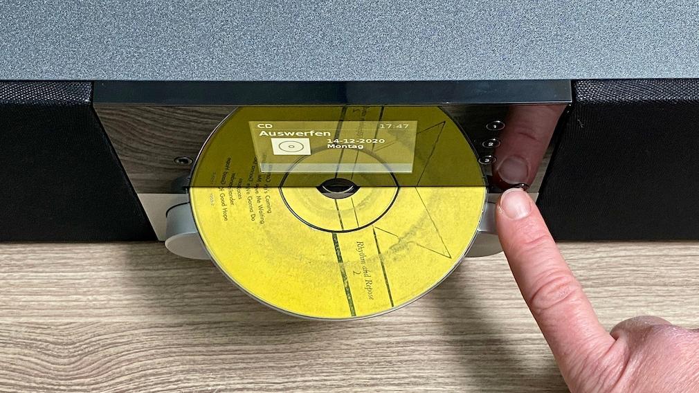 Das Technisat Digitradio 3 Voice gibt auch CDs und MP3-CDs wieder.