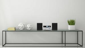 Medion P64187 bei Aldi: Das Mikro-Audio-System kann viel und spart Platz Die Medion P64187 besteht aus einem kleinen Steuerger�t und zwei Lautsprecherboxen.©Medion