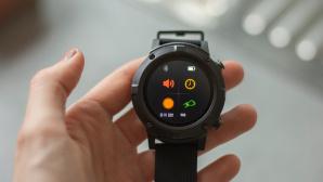 Aldi Angebot Sportuhr Smartwatch Medion S2400©COMPUTER BILD