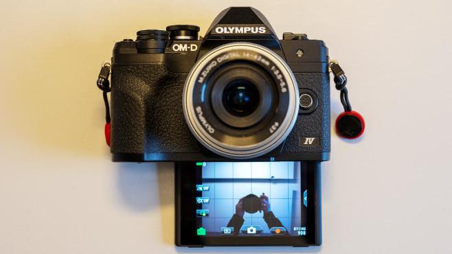 Olympus OM-D E-M10 IV Klapp-Display©COMPUTER BILD