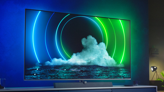 Der Philips PML9636 kombiniert Mini-LED-Technik mit Lautsprechern von B&WD-Backlight für besten Kontrast auf.©Philips