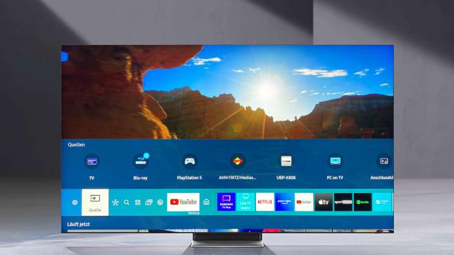 """Der neue Samsung QN95A arbeitet mit dem Tizen-Betriebssystem inklusive bewährtem Home-Menü (""""Smart Hub"""").©Samsung, COMPUTER BILD"""