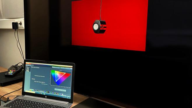 Samsung QN95A im Test: Der Neo-QLED bietet schöne Aussichten! Mit der Software  sowie geeignetem Farbmessgerät und Testbildgenerator ist eine automatische Farbkalibrierung möglich.©COMPUTER BILD