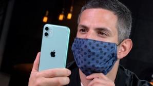 iPhone-Nutzer mit Maske entsperren©COMPUTER BILD