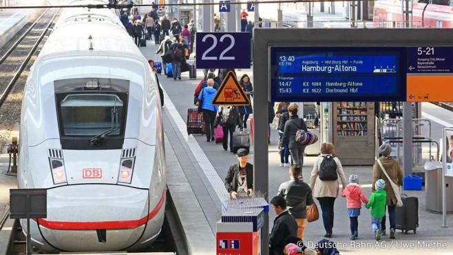 Ein ICE im Bahnhof©Deutsche Bahn