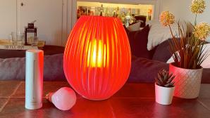 Rote Lampe und Wetterstation als Corona-Ampel©COMPUTER BILD