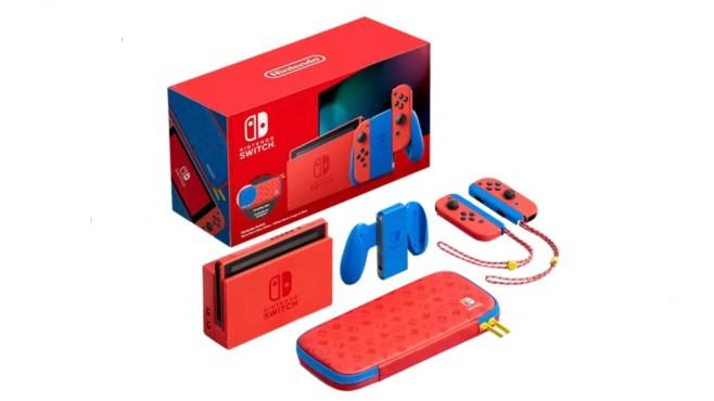 Limitierte Nintendo Switch mit Tasche©Saturn