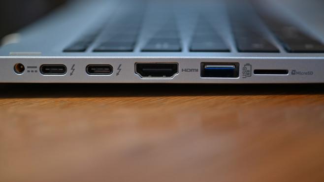 Acer Spin 3: Test des Convertibles Das kleine Blitzsymbol deutet es schon an: Die beiden USB-C-Buchsen des Acer Spin 3 arbeiten mit der Thunderbolt-4-Technik.©COMPUTER BILD