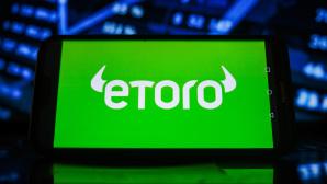 Störung bei eToro: Was sind die Alternativen? eToro: Zu viele neue Nutzer in zu kurzer Zeit überlasteten das System. Die Plattform bremst nun das Wachstum etwas ab.©SOPA Images / Getty Images