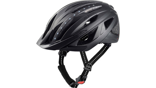 Sicherheit: Fahrradhelme mit Beleuchtung und Smarthelme im Vergleichstest©Alpina