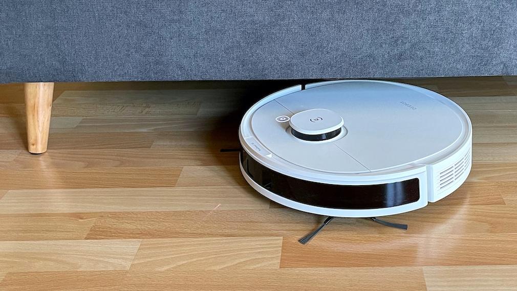 Ecovacs Deebot N8 Pro passt unter viele Möbel
