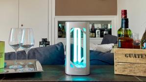 Philips UV-C-Desinfektions-Tischleuchte in Aktion©Signify, COMPUTERBILD