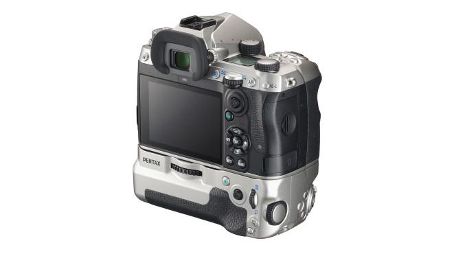 Pentax K-3 III Hochformatgriff©Ricoh Imaging