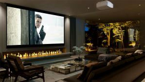 Der neue Sony VPL-VW290ES gibt auch im Wohnzimmer eine gute Figur ab.©Sony