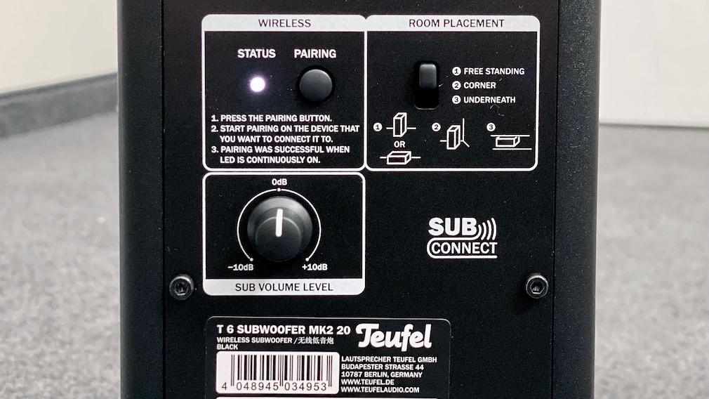 Neue Soundbar Cinebar 11 im Test: Teufel rüstet auf Am Teufel T6 Subwoofer lässt sich der Pegel angleichen, außerdem der Klang an die Aufstellung anpassen.