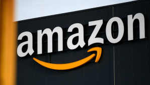 Amazon: Logo©INA FASSBENDER / Getty Images