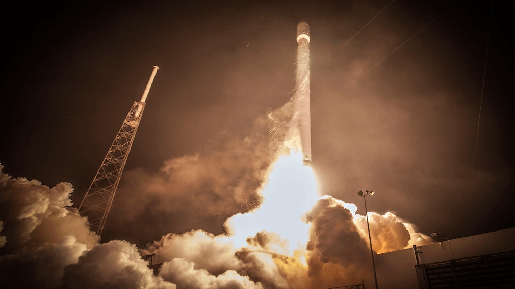 Start einer Falcon-9-Rakete
