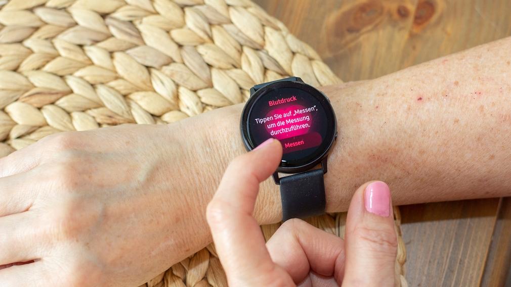 Samsung Galaxy Watch Active 2 Blutdruck messen©COMPUTER BILD