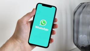 Smartphone mit WhatsApp-Logo©Anton, Pexels